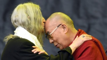 PattiSmith+DalaiLama.July2015.OliScarff-AFP-GettyImagesCOPY
