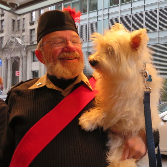 TartanBagpiper+Barkley.IMG_0565.cr.Apr2016