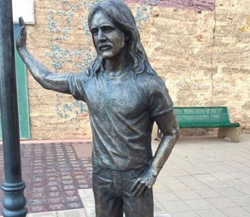 glennfreystatue-oct2016-cr