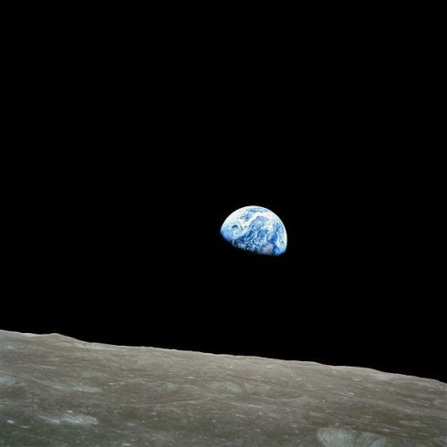 Earthrise.dec2017